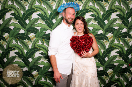 Sarasota photo booth, modern photo booth, Wedding photo booth, Queen's Gate Resort